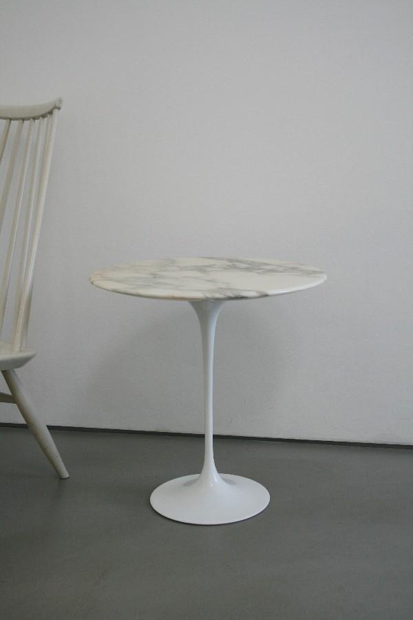 Eero saarinen sidetable beistelltisch marmor rund by knoll for Marmor tischplatte rund