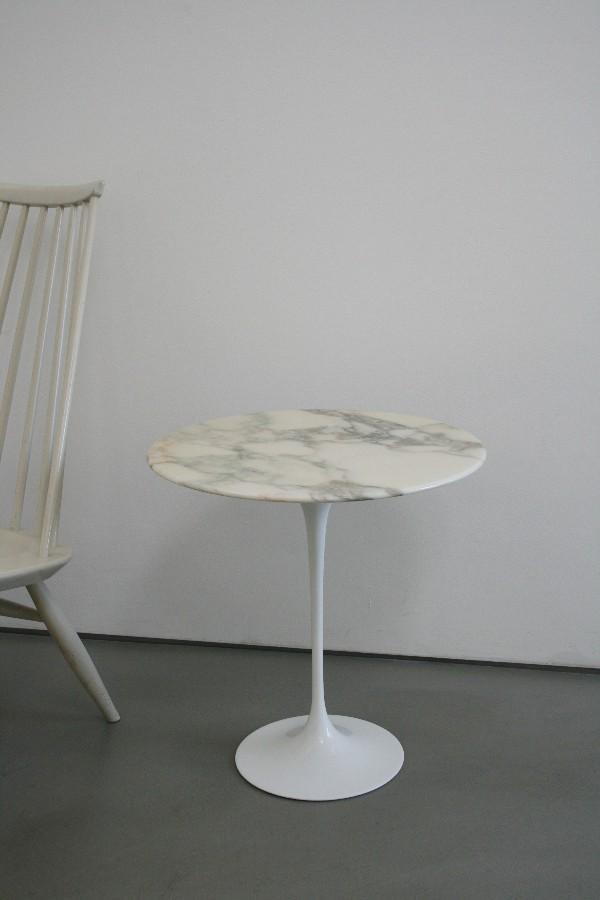 Eero saarinen sidetable beistelltisch marmor rund by knoll for Saarinen beistelltisch marmor